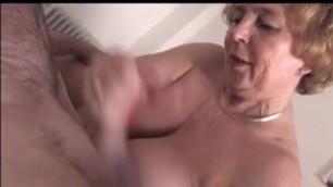 Granny gives handjob and blowjob with cim