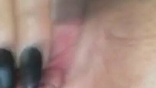 Uk Dirty Milf playing with her pussy till she squirts